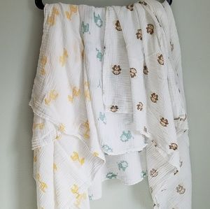 Set of 3 Aden + Anais Muslin Swaddle Blankets